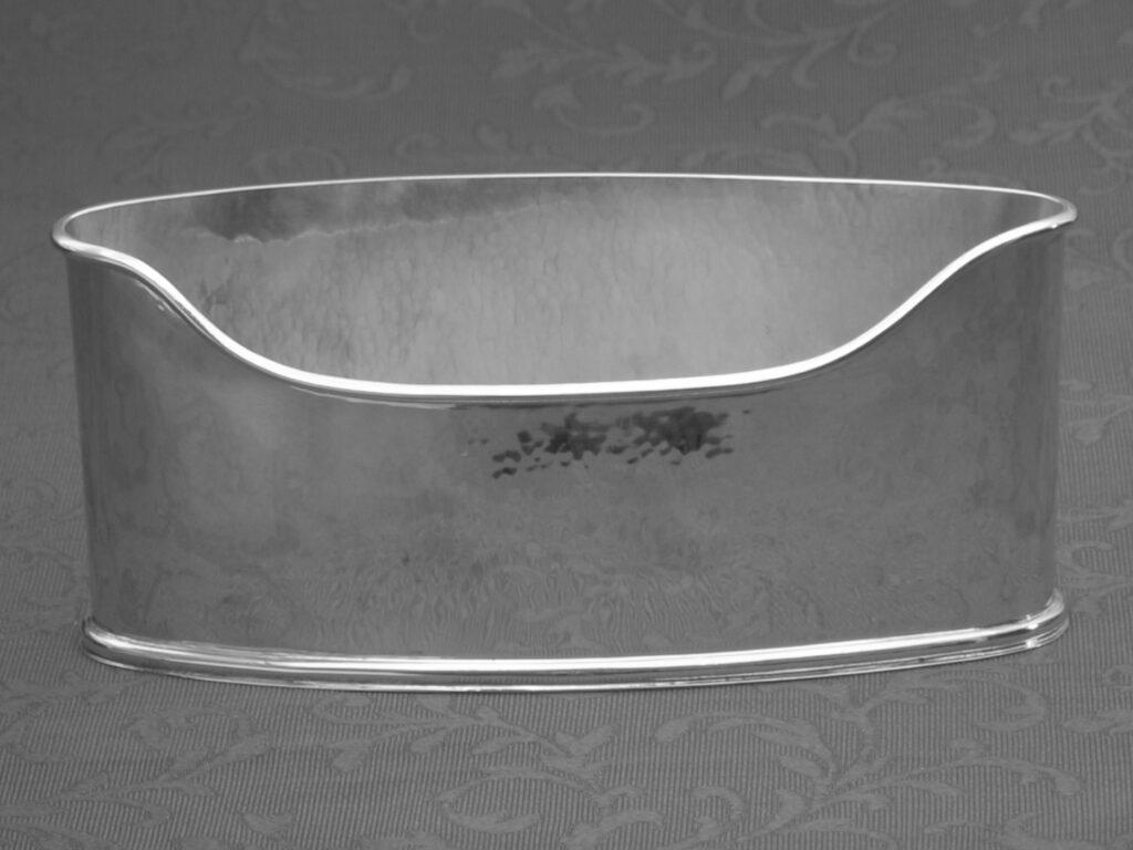 Portalettere in argento verticale fatto a mano