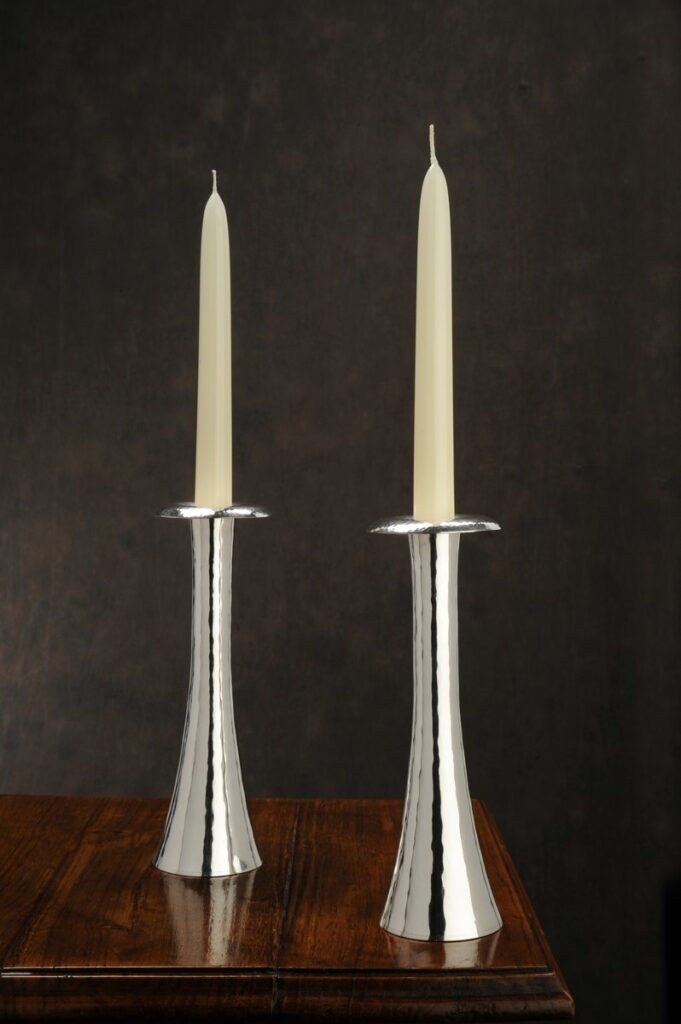 candeliere  in argento artigianale  per arredo casa