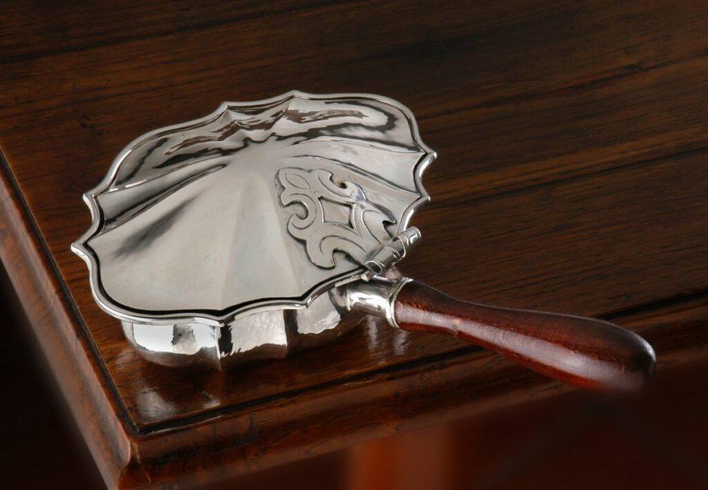 ceneriera in argento stile '700 per arredo casa