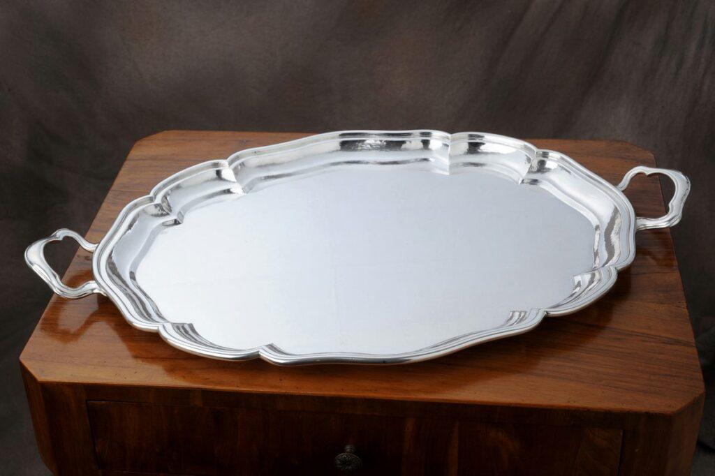 vassoio ovale in argento per arredo casa