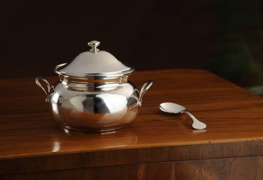 zuccheriera tonda in argento alta con manici