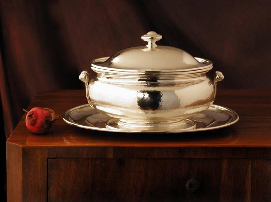 zuppiera in argento ovale stile inglese