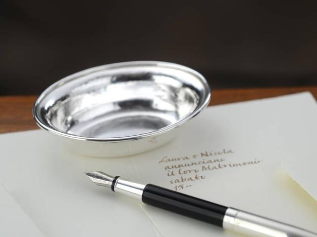 Ciotolina bomboniera ovale  in argento