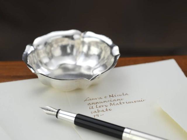 Ciotolina bomboniera stile '700 in argento