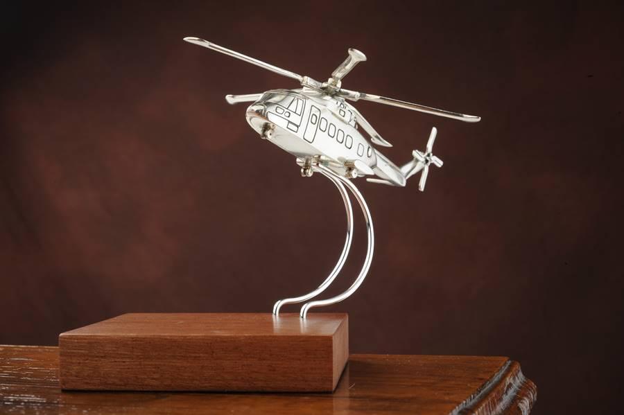 riproduzione elicottero EH101 in argento