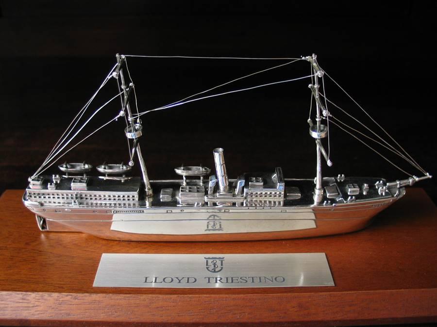 Nave LLOYD TRIESTINO in argento fatta a mano