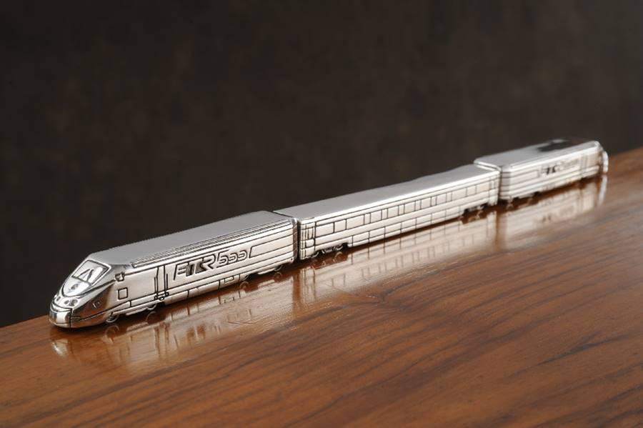 modellino treno ETR 500 in argento