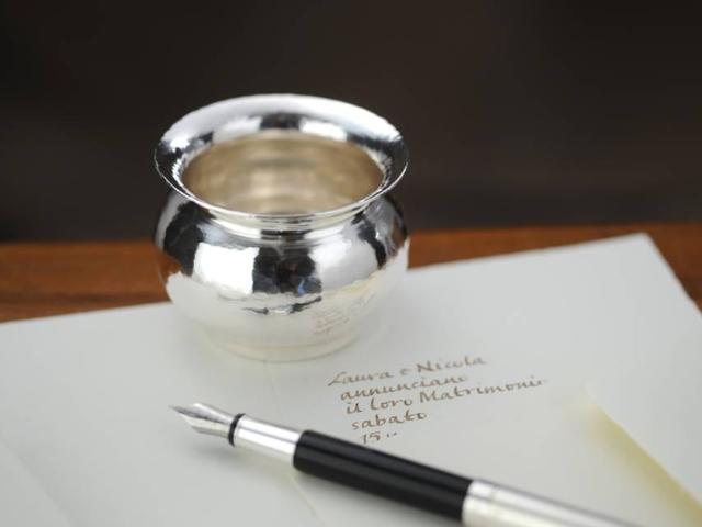 Vasetto bomboniera bombato in argento